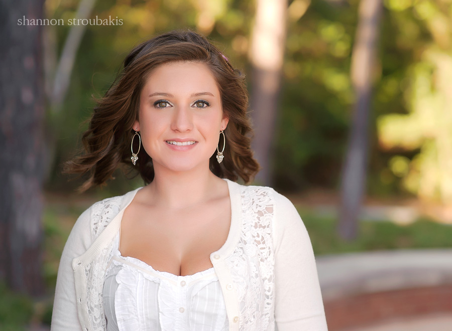 senior session photography outdoors in a park