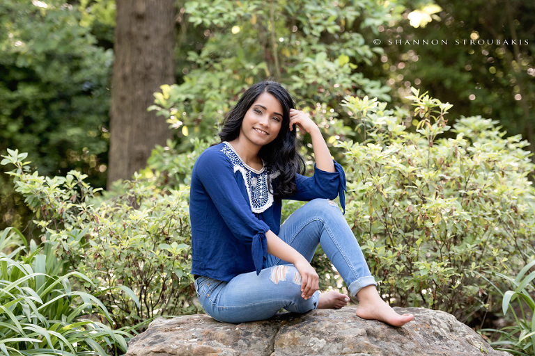 pretty-natural-senior-pictures-spring