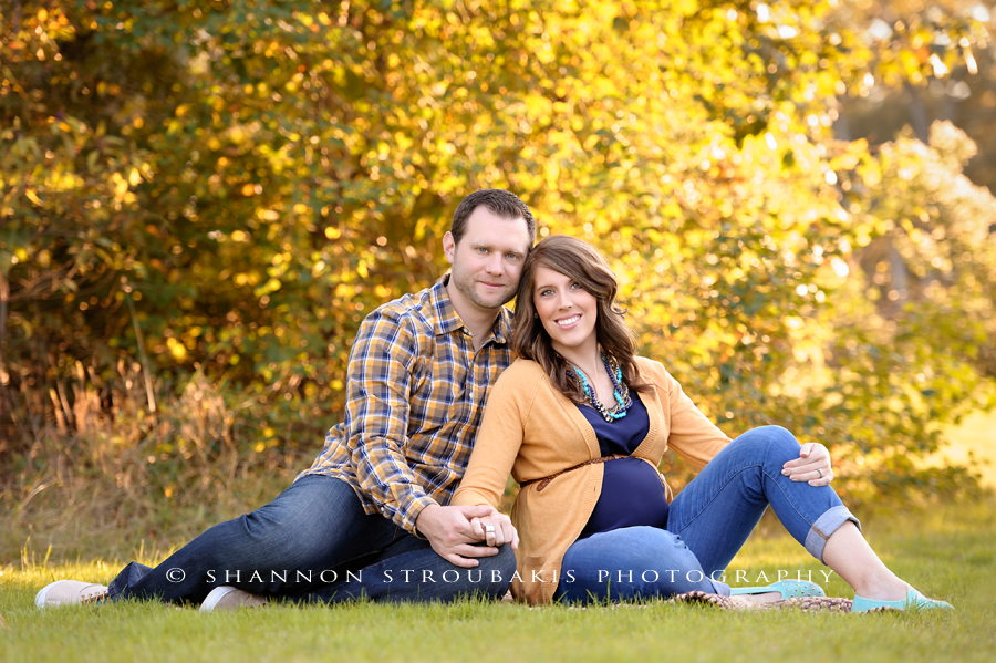 Maternity photography in spring and the woodlands tx for a family outdoors in the fall