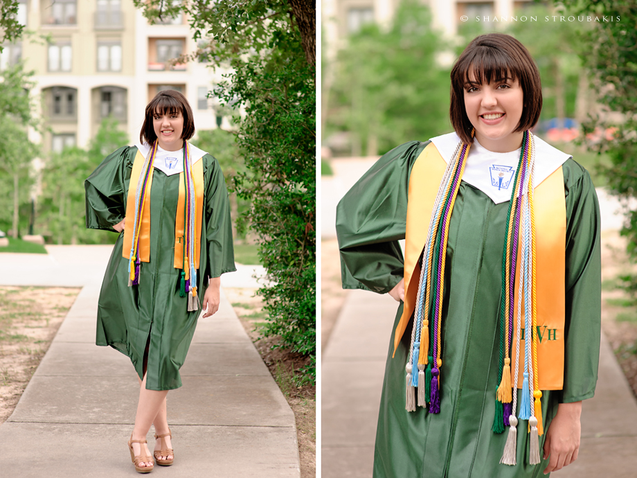 Graduation Pictures In The Woodlands Cap And Gown